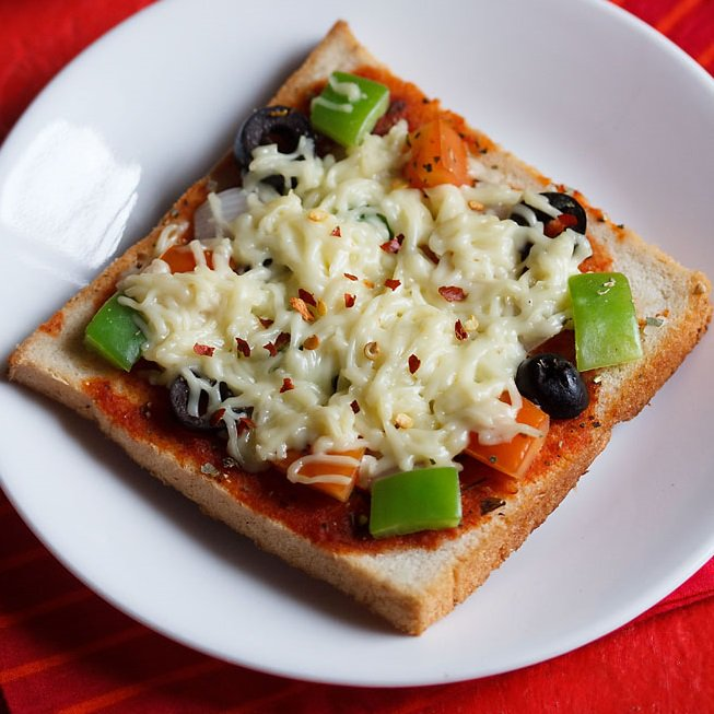 bread-pizza-on-tawa-recipe-1jpg