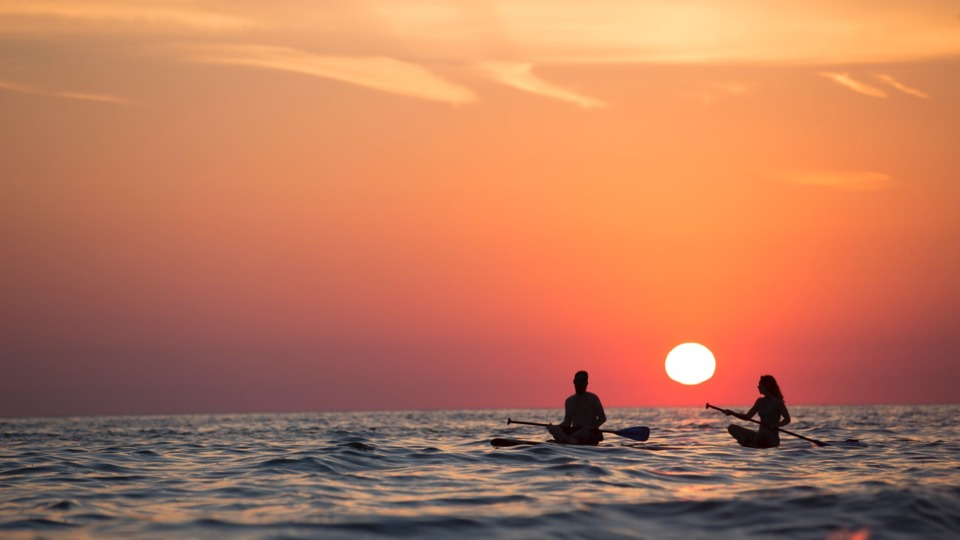 kayak_beach_pexels_cl_pic.5b5a0b17cf65e